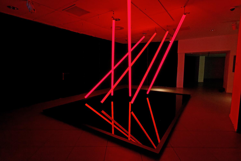 In Parallel, installation lumière présentée lors de Vanishing Points, exposition monographique d'Olivier Ratsi à Marseille